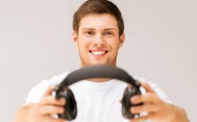 Музыка в наушниках грозит глухотой миллиарду людей