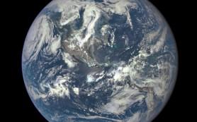 НАСА опубликовало снимок Земли, сделанный с расстояния 1,5 млн км