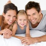 Счастливое детство помогает мужчинам в построении крепких отношений в семье