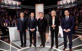 Кандидаты в президенты Франции практически сравнялись в рейтинге