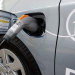 Франция запретит продажу бензиновых и дизельных автомобилей