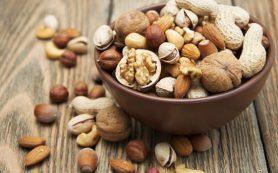 Орехи могут заменить мясо и молочные продукты, защищая от развития ожирения