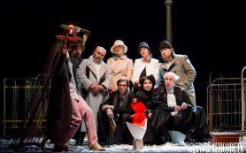 Спектакль театра Ленсовета «Город. Женитьба. Гоголь» показали в Сочи