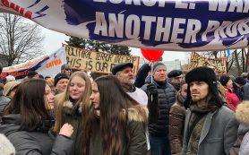 Акция в защиту русских школ в Риге стала самой массовой за 15 лет