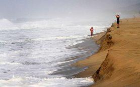 Курорты Мексики накрыл шторм «Карлотта»
