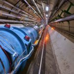 Физики впервые ускоряют атомы на Большом адронном коллайдере