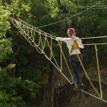В Китае рухнул мост с туристами