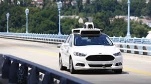 Минпромторг рассказал, когда на улицах появятся первые машины-беспилотники