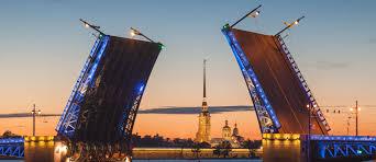 Эксперты выяснили, какие достопримечательности Москвы и Санкт-Петербурга не нравятся туристам