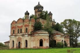В Кировской области волонтеры пытаются сохранить один из красивейших храмов Вятки