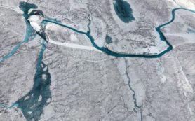 Исследователи обнаружили более 50 озер под ледяным покровом Гренландии