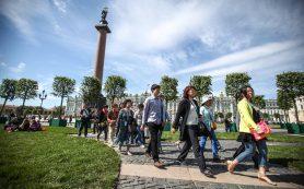 Власти Санкт-Петербурга не видят проблем с китайскими безвизовыми группами