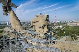 Завершается реставрация монумента «Родина-мать зовет» в Волгограде