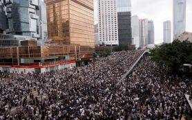 Туристов вновь предупредили о протестах в Гонконге