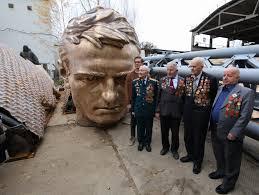 Завершается отливка бронзовой фигуры солдата для Ржевского мемориала