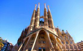 В Барселоне из-за протестов закрыли Храм Святого Семейства
