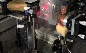 Ученые ИЯФ СО РАН и ИФМ РАН исследовали поведение электронов мышьяка в полупроводнике под действием терагерцового излучения