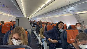Туристы готовы дистанцироваться во время перелетов, но не хотят за это переплачивать