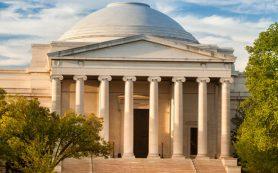 Национальная художественная галерея США открывается для посетителей