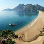 Больше всего иностранных туристов в Турцию приезжает из России