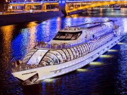 Флотилия «Рэдиссон Ройал» получила специальный знак Safe Travels Discover Moscow