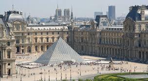 В Лувре восстанавливают интерьеры и экспонаты