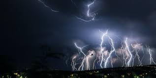 Фосфор, из которого зародилась жизнь на Земле, возможно, был выкован молнией