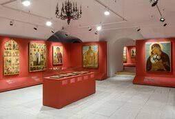 Музей Андрея Рублева представил выставку финифти