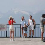Россияне сравнили путешествия по стране и за границей