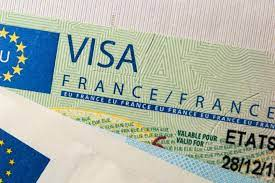 С 1 июня Франция возобновляет прием документов на визы