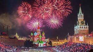Коллективы из семи стран приехали на фестиваль «Спасская башня»